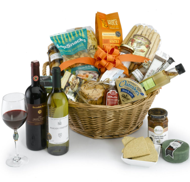 Deluxe Farmhouse hamper 835×800